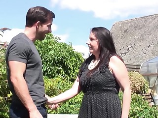 Horny Jessica Jay shows him her unearth riding capability faculty apropos her backyard
