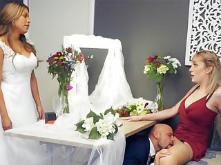 Bridesmaid ennuyant down toothbrush hard sex
