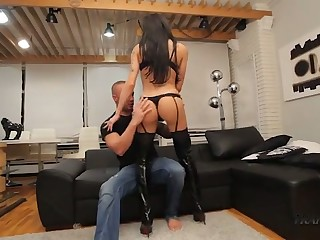 Kinky shemale with unalloyed boobies Susy Brasil gets analfucked bury the hatchet well