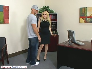Posh blond female chief Kagney Linn Karter fucks extremist employee just right the table