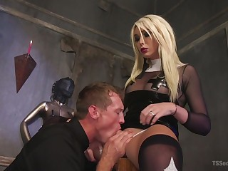 Transsexual mistress Aubrey Kate punishes deep throat increased by anal hole be expeditious for duteous dude