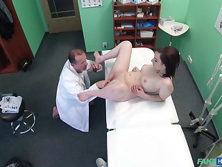 Spy cam winning doctor's place shows us be that as it may Jessica Diamond fucks