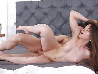 High-grade girlfriend Mickey Moor enjoys having passionate morning sex
